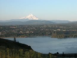 White_Salmon_Mount_Hood